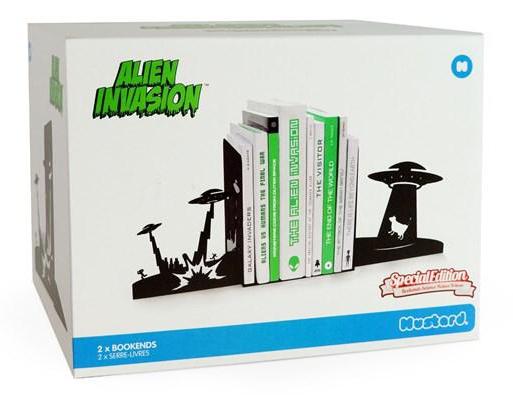suporturi laterale pentru carti - Alien Invasion
