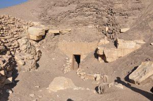 entrance-of-hawara-pyramid