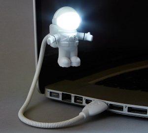 lampa-usb-astronaut-2